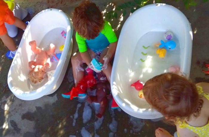 rentar joguines o roba a l'escola bressol
