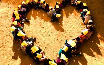 Cors de colors pels Drets dels Infants, la igualtat i la violència zero