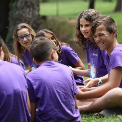 Com afavorir la cohesió de grup amb colònies escolars a la tardor
