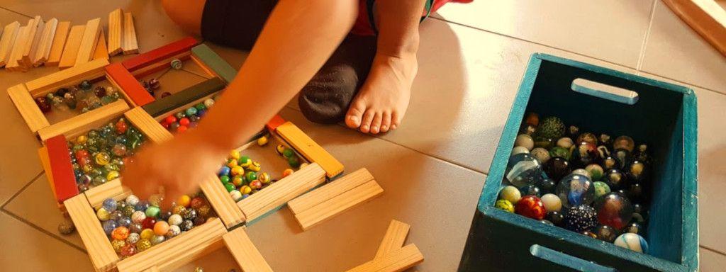 https://escoles.fundesplai.org/wp-content/uploads/2020/03/Jocs-interior-nens-a-casa-Fundesplai.jpg
